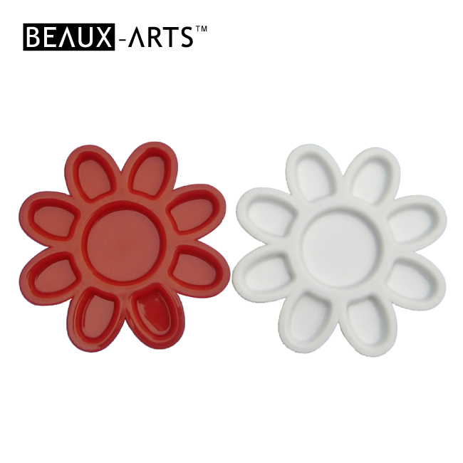 Affordable Petal Shape White Plastic Palette